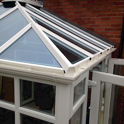 conservatory gutter cleaned to a high standard in woking surrey