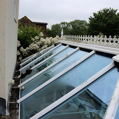 conservatory needs cleaning in Sidlesham